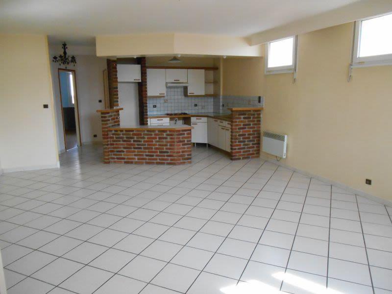 Rental apartment Saint quentin 625€ CC - Picture 1