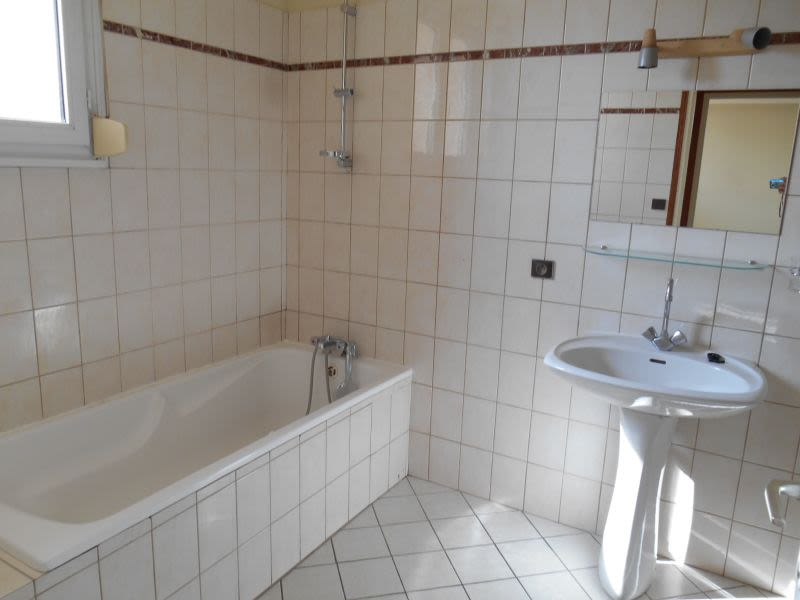 Location appartement Saint quentin 625€ CC - Photo 5