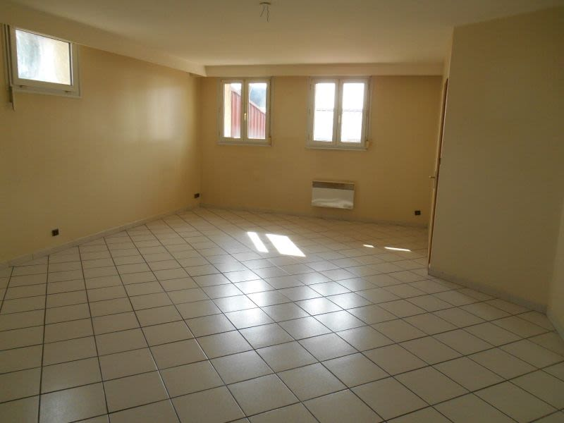 Rental apartment Saint quentin 625€ CC - Picture 6