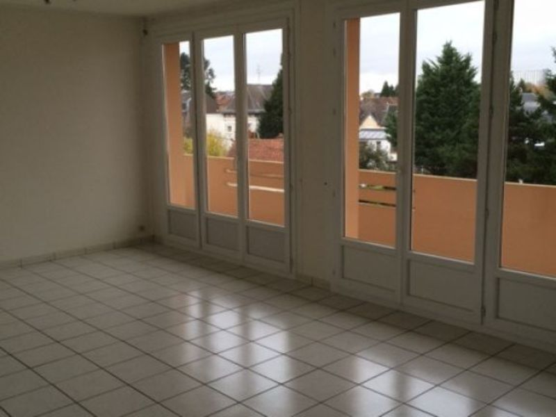 Location appartement Saint quentin 660€ CC - Photo 2