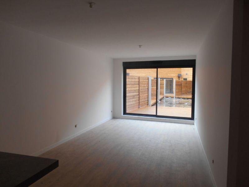 Location appartement Saint quentin 930€ CC - Photo 2