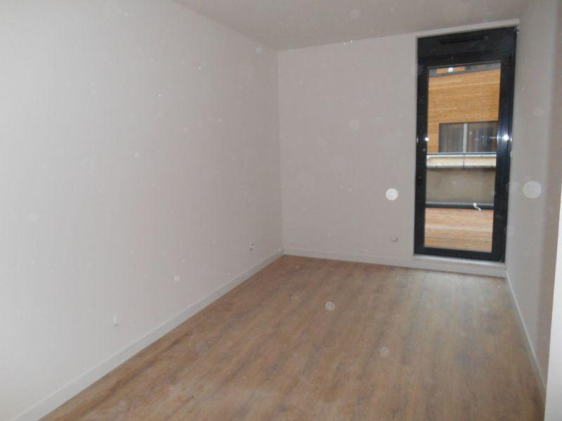 Rental apartment Saint quentin 930€ CC - Picture 6