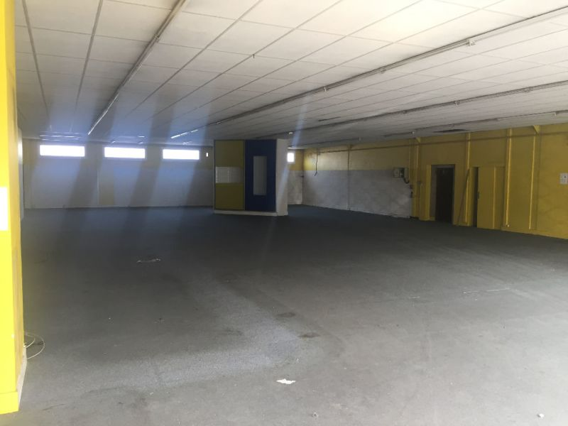 Location local commercial Saint quentin 2500€ HC - Photo 2