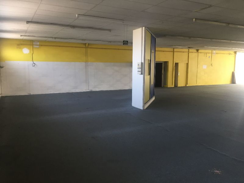 Location local commercial Saint quentin 2500€ HC - Photo 3