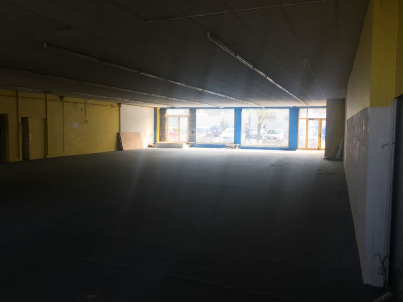 Location local commercial Saint quentin 2500€ HC - Photo 4