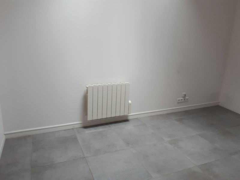 Rental empty room/storage Saint quentin 530€ +CH - Picture 4