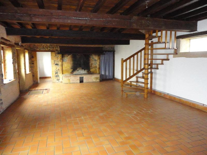 Location maison / villa Saint julien sur bibost 830€ CC - Photo 2
