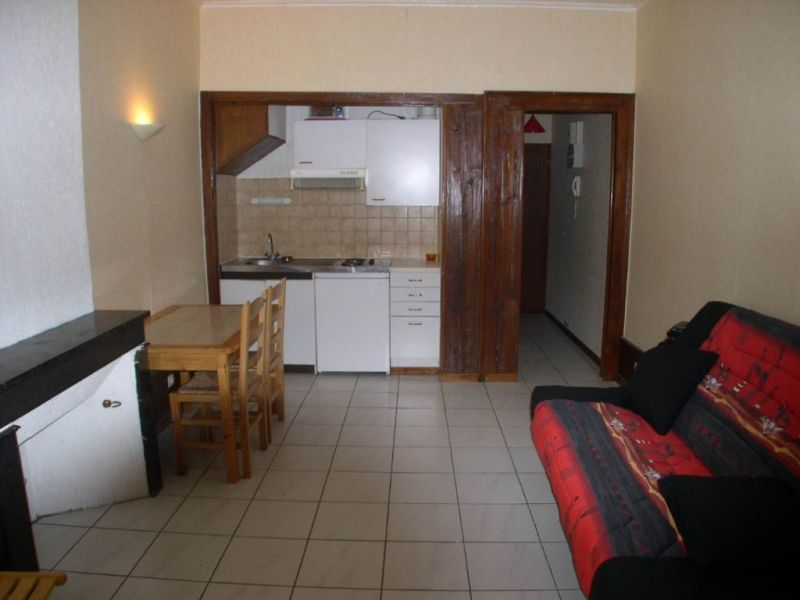 Rental apartment Annecy 492€ CC - Picture 1