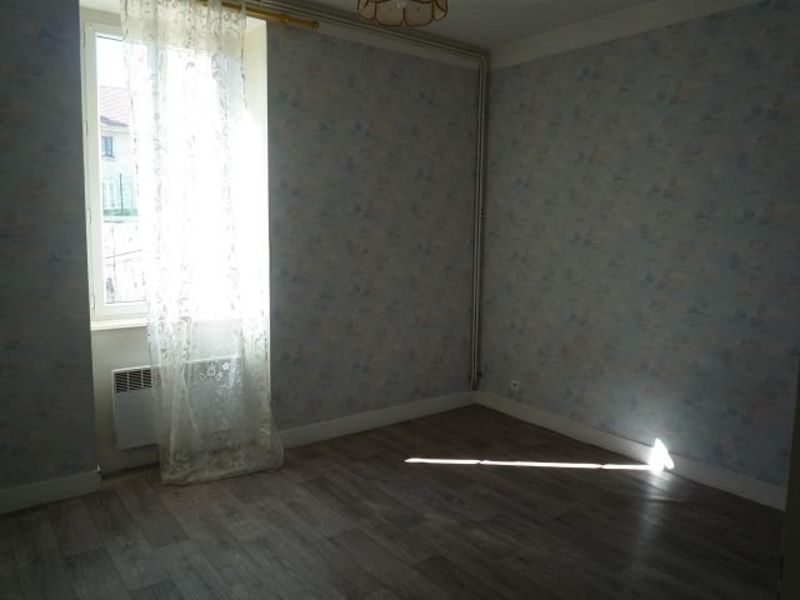 Rental apartment St agreve 224€ CC - Picture 2