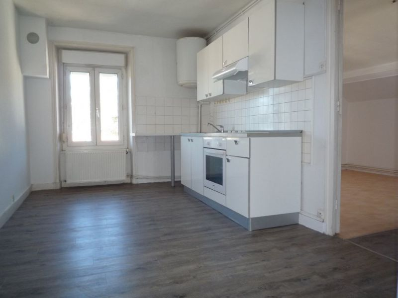 Rental apartment Le chambon sur lignon 385€ CC - Picture 1