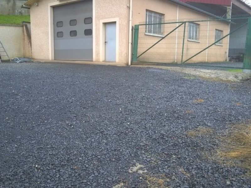 Location local commercial Brives charensac 660€ HC - Photo 1
