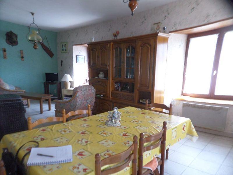 Sale house / villa Presailles 64800€ - Picture 5