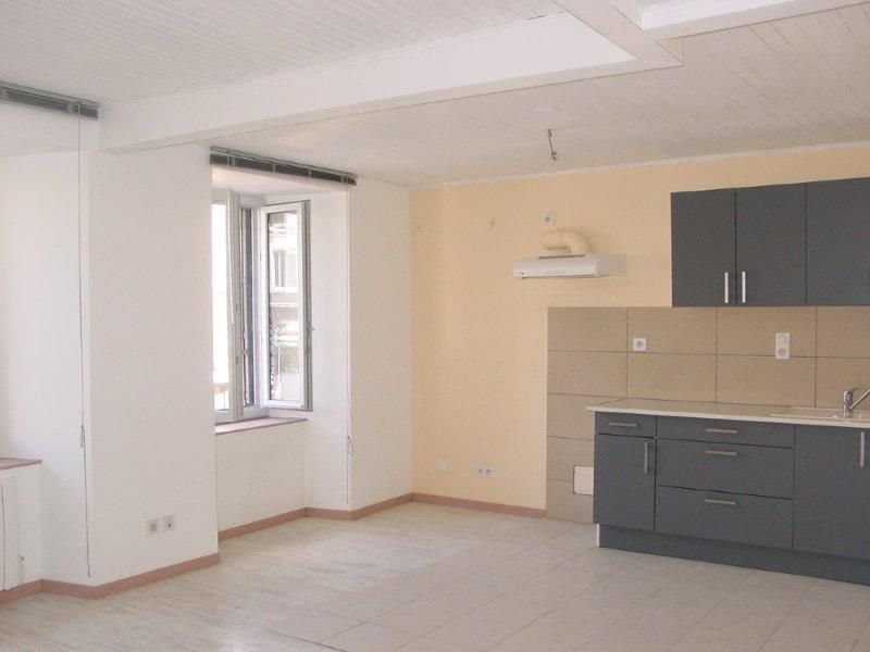 Sale apartment St agreve 39000€ - Picture 1