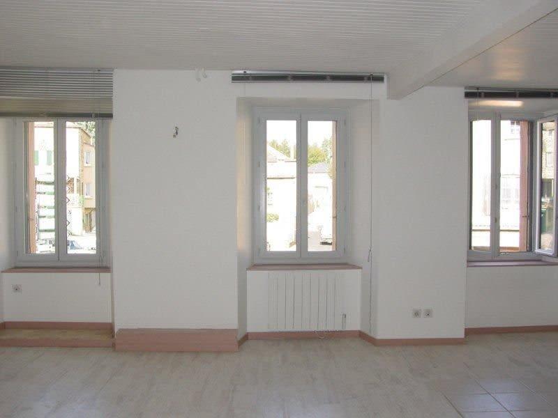 Sale apartment St agreve 39000€ - Picture 2
