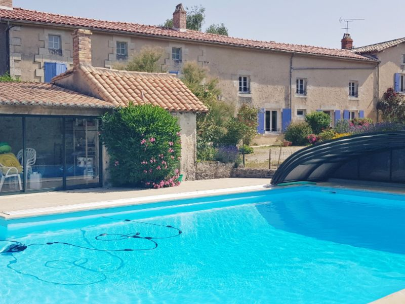 Vente maison / villa Champdeniers 416000€ - Photo 1