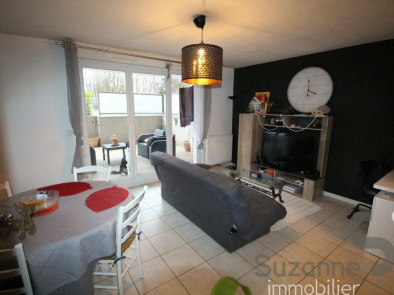 Sale apartment Eybens 118 000€ - Picture 2