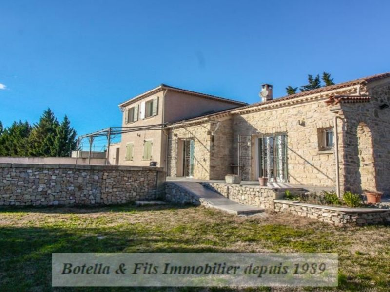 Vente maison / villa Uzes 398000€ - Photo 1