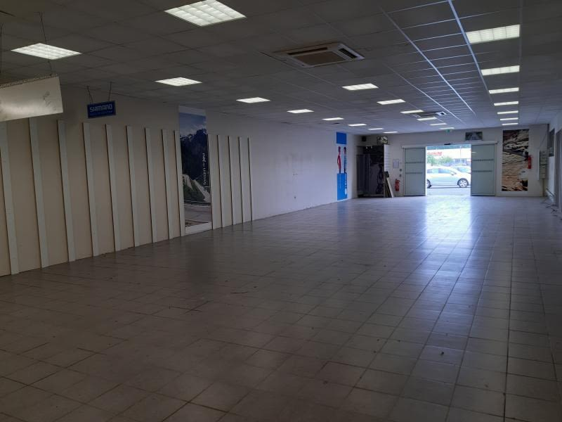 Location local commercial Castres 1900€ HC - Photo 3