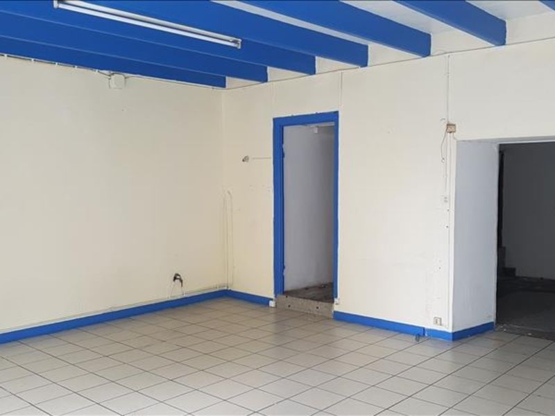 Location local commercial Begard 400€ HC - Photo 1