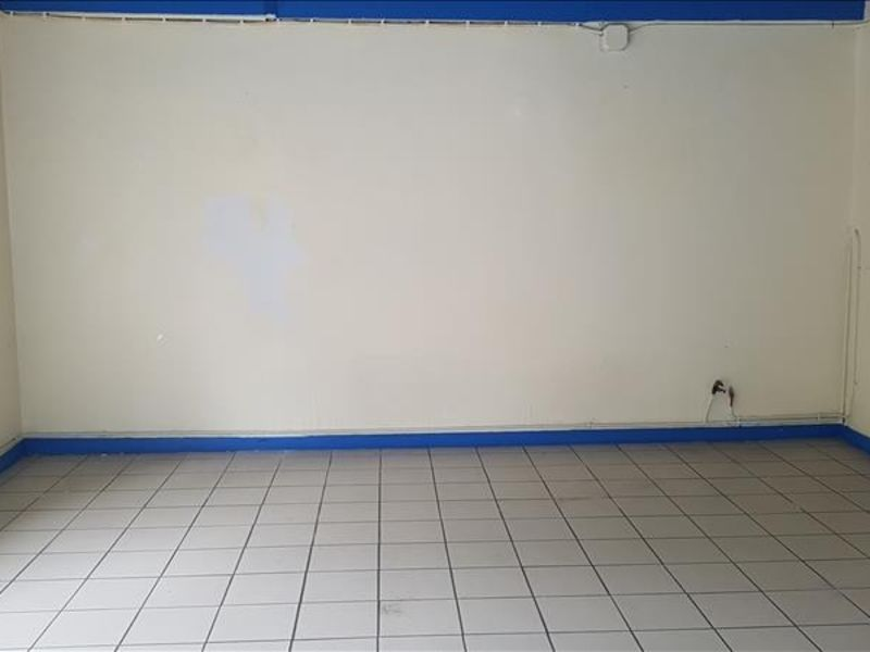 Location local commercial Begard 400€ HC - Photo 2