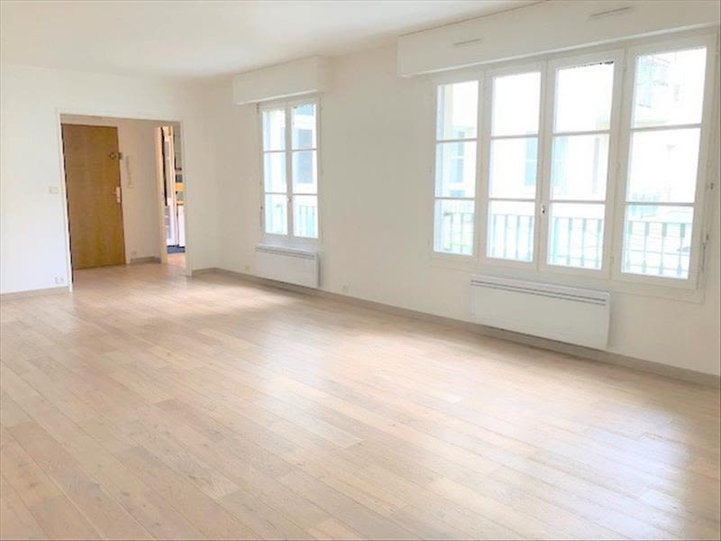 Rental apartment St germain en laye 2 380€ CC - Picture 1