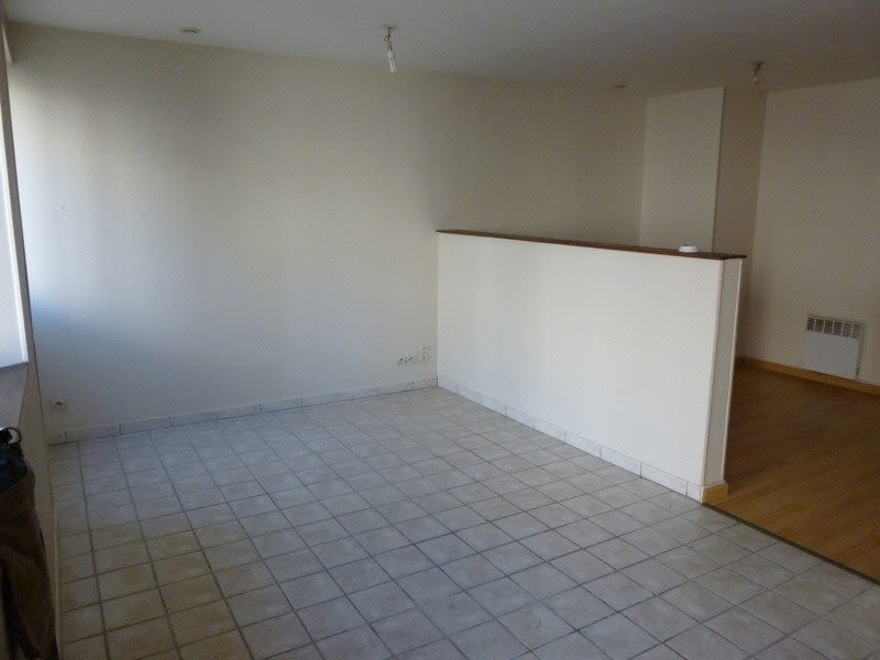 Rental apartment Coutances 256€ CC - Picture 1