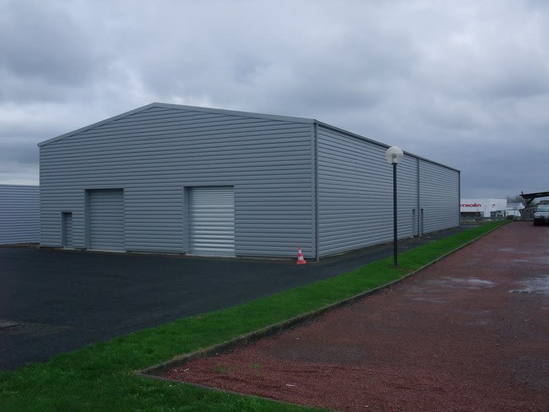 Location local commercial Coutances 2100€ HC - Photo 1