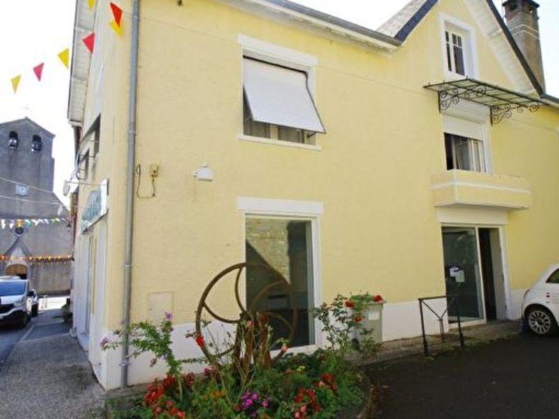 Sale building Lasseube 213500€ - Picture 1