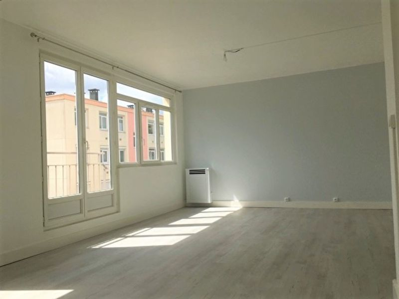 Sale apartment Deville les rouen 123 000€ - Picture 1