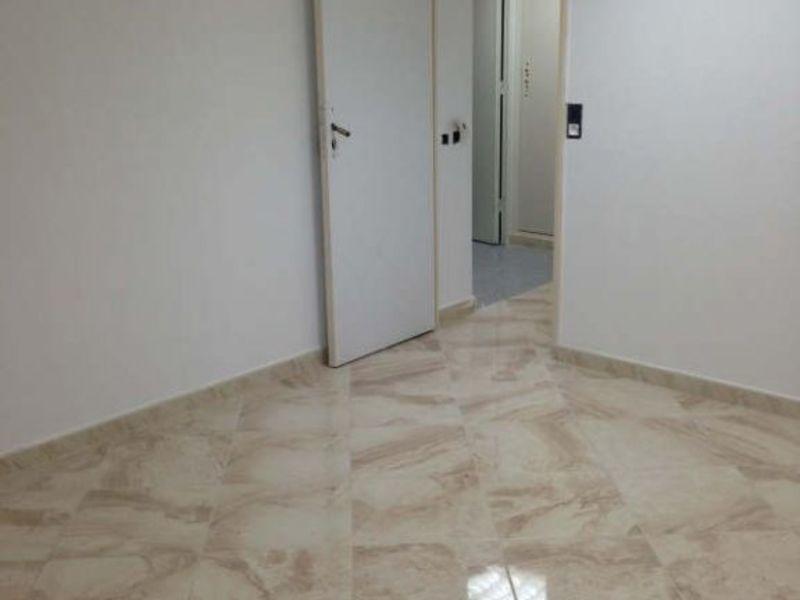 Rental empty room/storage Bobigny 430€ HC - Picture 1
