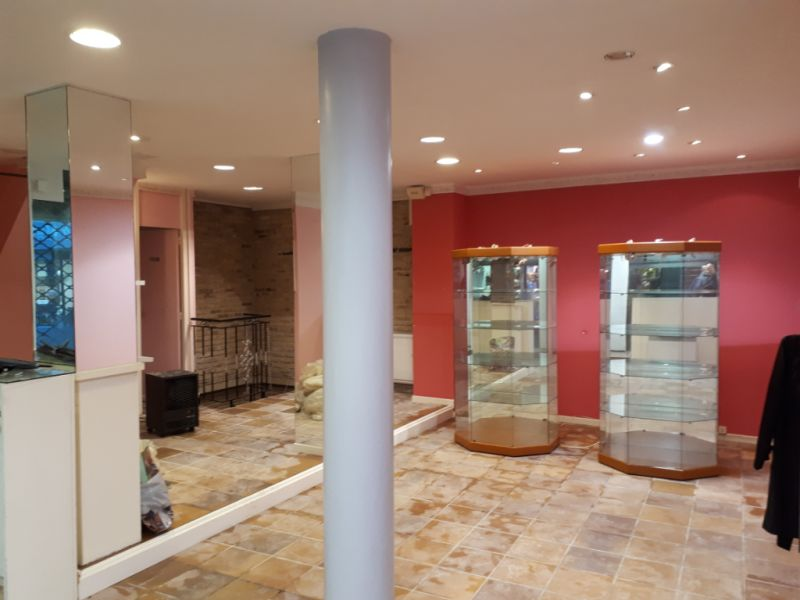 Location local commercial Saint omer 980€ HC - Photo 2