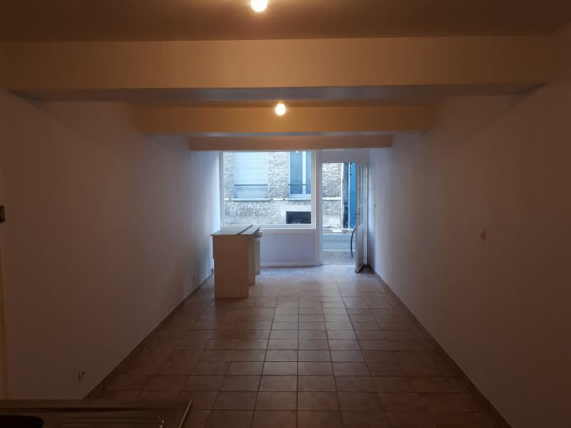 Rental empty room/storage Saint omer 340€ HC - Picture 3