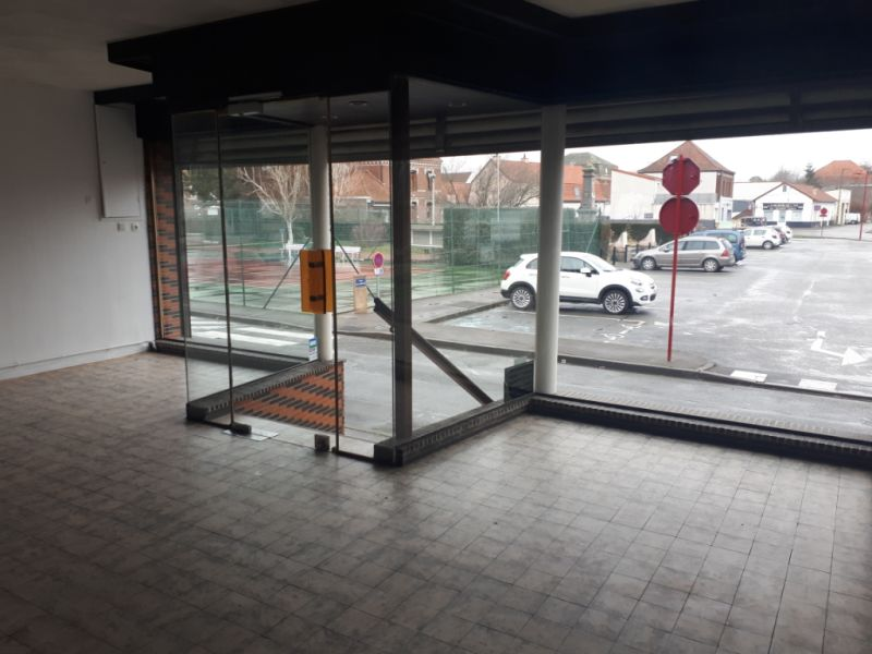 Location local commercial Wizernes 450€ CC - Photo 2