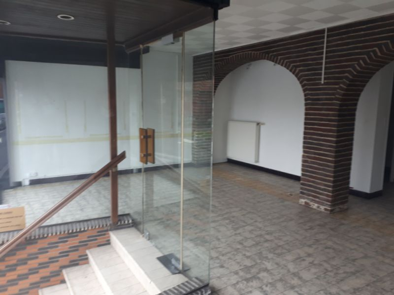 Location local commercial Wizernes 450€ CC - Photo 4