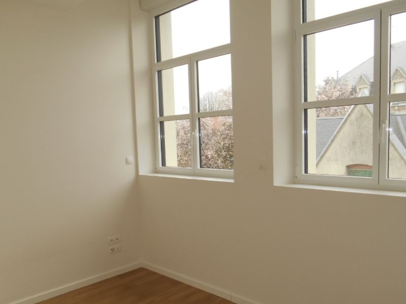 Rental apartment Saint quentin 750€ CC - Picture 5