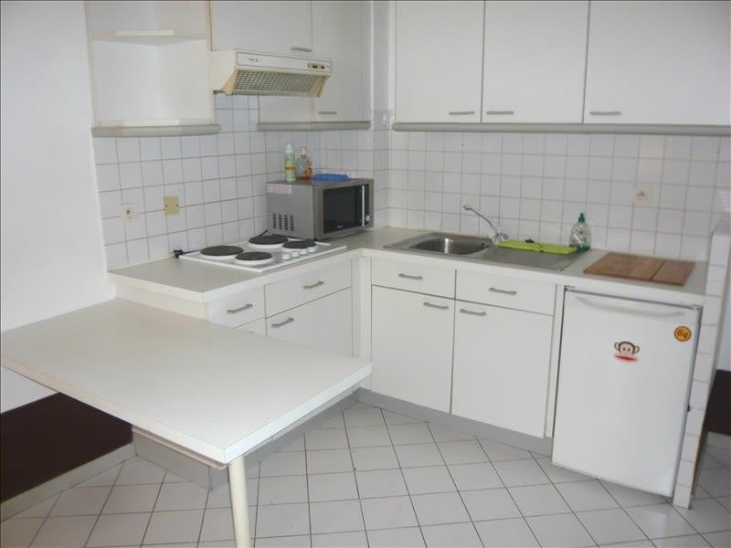 Location appartement Aix en provence 604€ CC - Photo 2