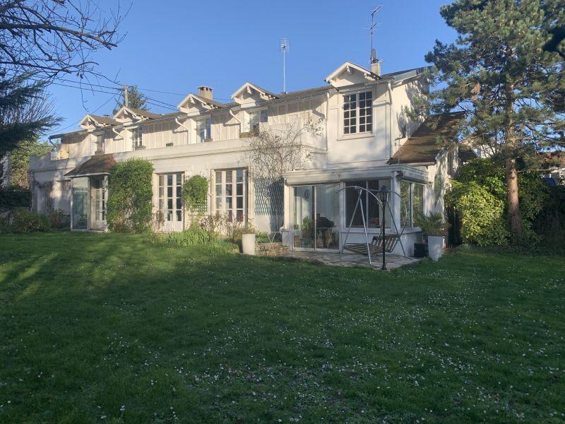 Sale house / villa Le raincy 650000€ - Picture 1