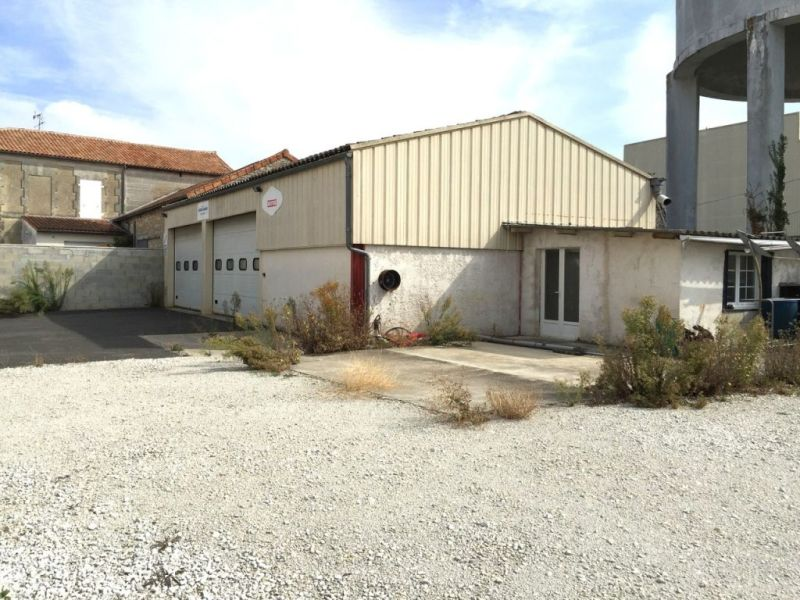 Sale empty room/storage Jarnac 86000€ - Picture 1