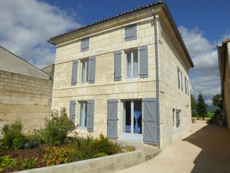 Vente maison / villa Bassac 272 900€ - Photo 1
