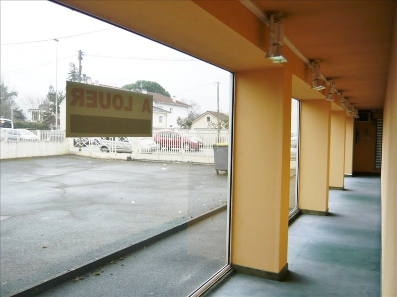 Location local commercial Pau 3666,67€ HC - Photo 5