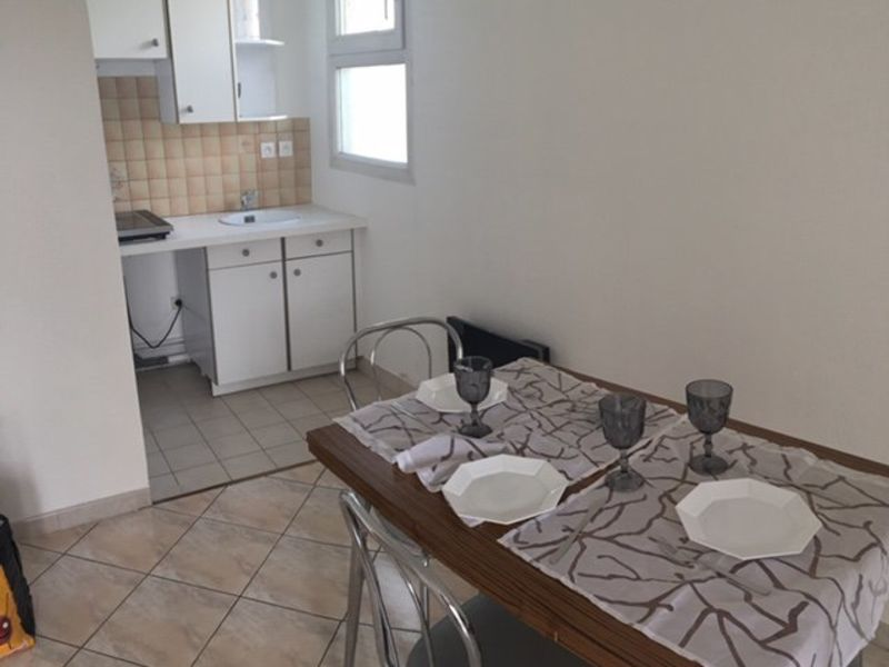 Location appartement Neuilly-sur-marne 720€ CC - Photo 4