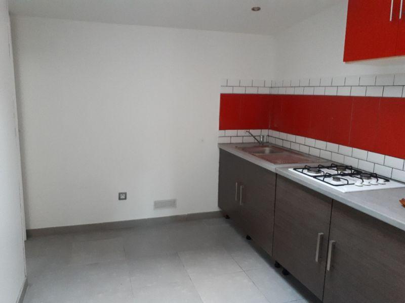Rental house / villa Saint quentin 495€ CC - Picture 1