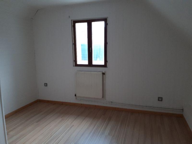 Rental house / villa Saint quentin 495€ CC - Picture 5