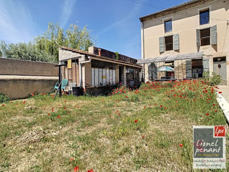Sale building Carpentras 235 000€ - Picture 1