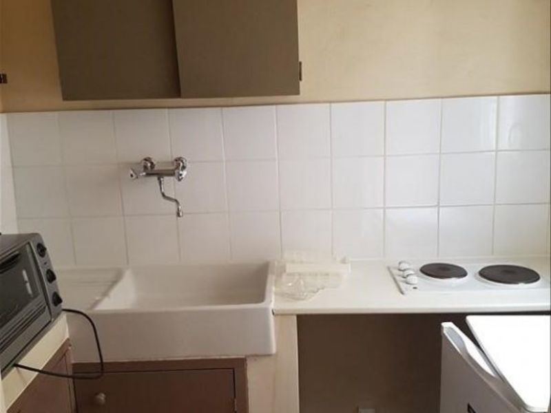 Rental apartment Aix en provence 558€ CC - Picture 4