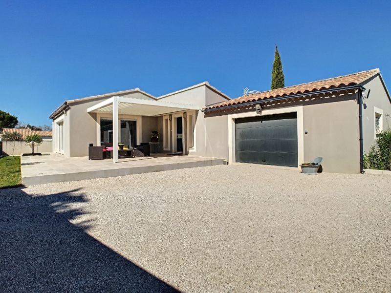 Sale house / villa Velleron 420000€ - Picture 1