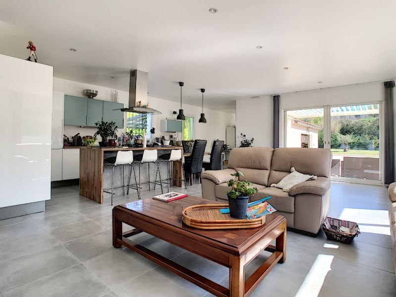 Sale house / villa Velleron 420000€ - Picture 2