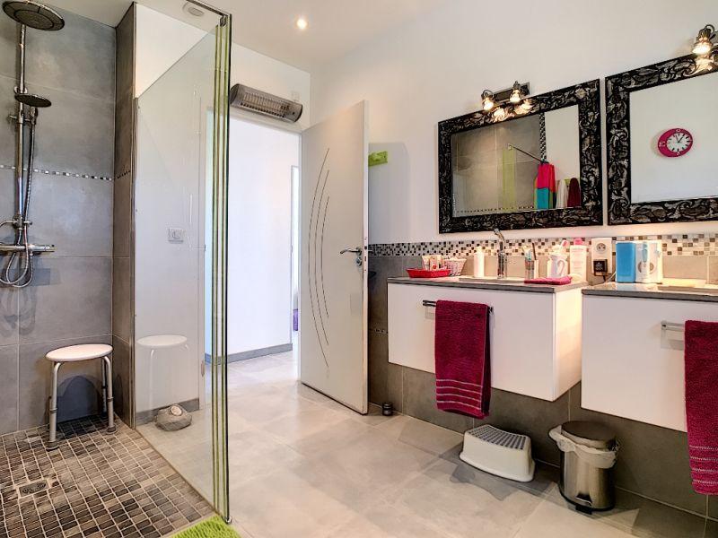 Sale house / villa Velleron 420000€ - Picture 6