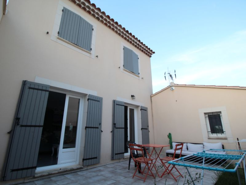 Sale house / villa Carpentras 249000€ - Picture 1