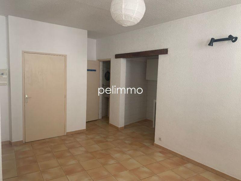 Rental apartment Salon de provence 504€ CC - Picture 1